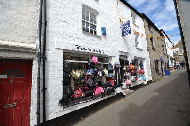 2 Bedrooms Flat for sale in Fore Street, Polperro, Looe, Cornwall