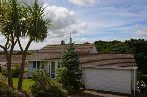 4 Bedrooms Detached House for sale in Maddever Crescent, Liskeard, Cornwall