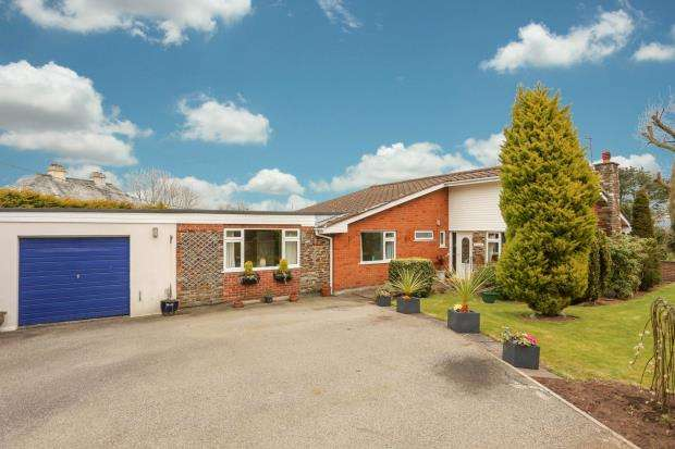 4 Bedrooms Detached Bungalow for sale in Ducky Lane, Landrake, Saltash, Cornwall