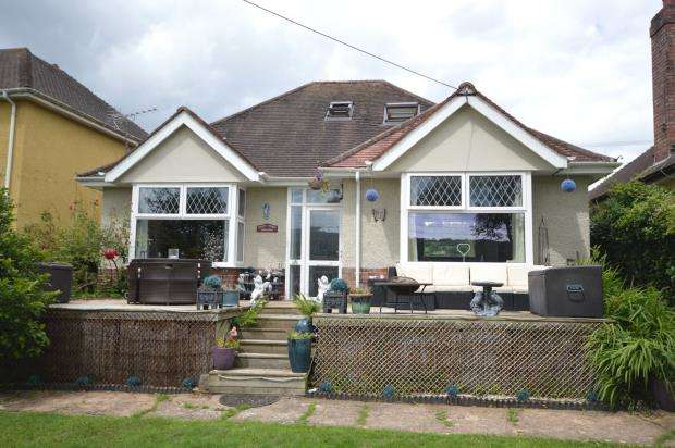 3 Bedrooms Detached Bungalow for sale in Sidford Road, Sidmouth, Devon