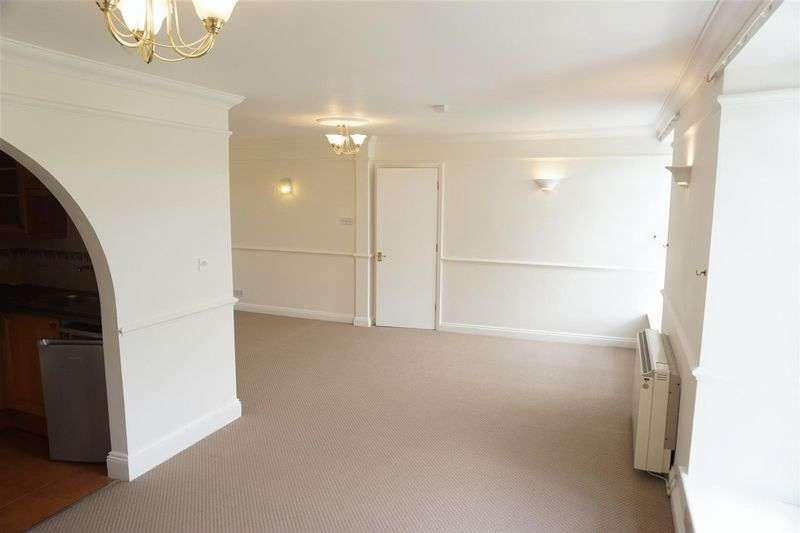 1 Bedroom Flat for sale in Bush House, Camelford