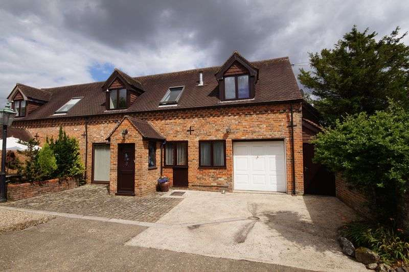 4 Bedrooms Semi Detached House for sale in Great Missenden