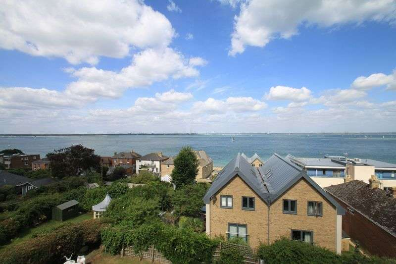 3 Bedrooms Flat for sale in Cliff Road, Cowes