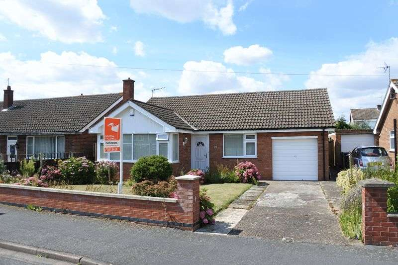 2 Bedrooms Detached Bungalow for sale in Redcliffe Road, Grantham