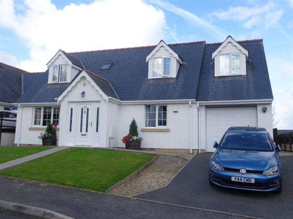 4 Bedrooms Detached Bungalow for sale in 2 Ashburton Grove