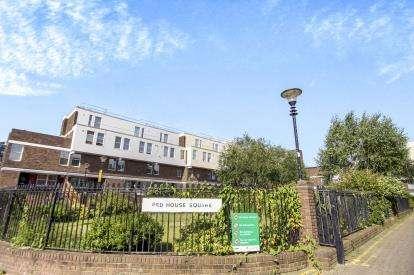 1 Bedroom Flat for sale in Upper Gulland Walk, London