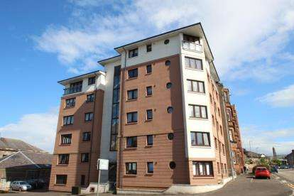 2 Bedrooms Flat for sale in Patrick Street, Greenock