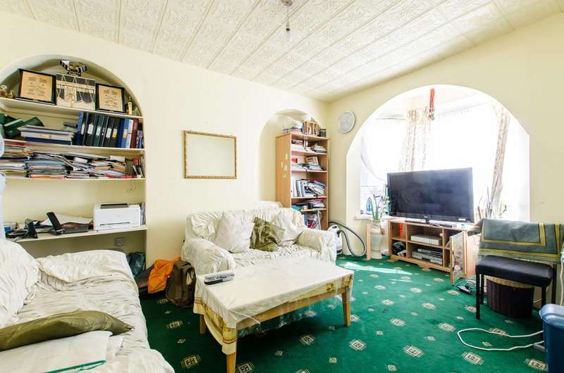 3 Bedrooms Flat for sale in Teale Street, Bethnal Green, E2