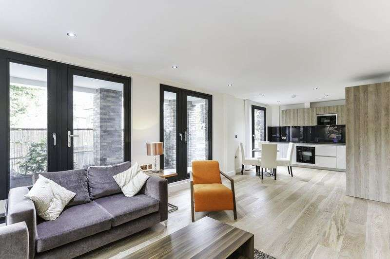 3 Bedrooms Property for sale in Rothsay Street, London
