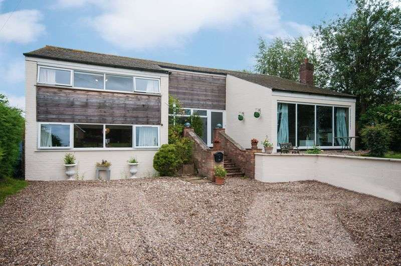 4 Bedrooms Detached House for sale in Mill Road, Donington On Bain, LN11