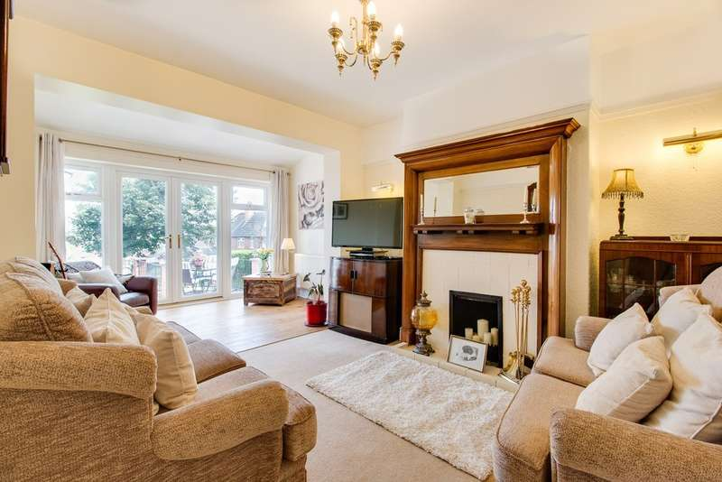 4 Bedrooms Detached House for sale in Moorgate Road, Moorgate, Rotherham