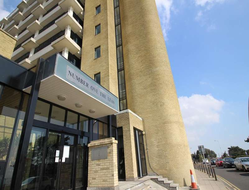 1 Bedroom Flat for sale in The Leas, Folkestone, CT20