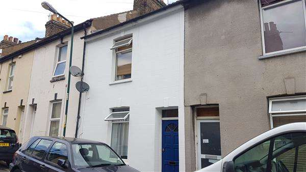 3 Bedrooms Terraced House for sale in Wykeham Street, Strood, Medway