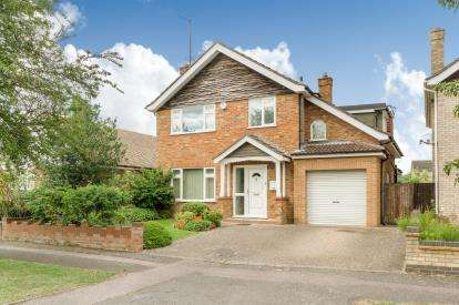 4 Bedrooms Detached House for sale in Trent Road, Bedford, Bedfordshire