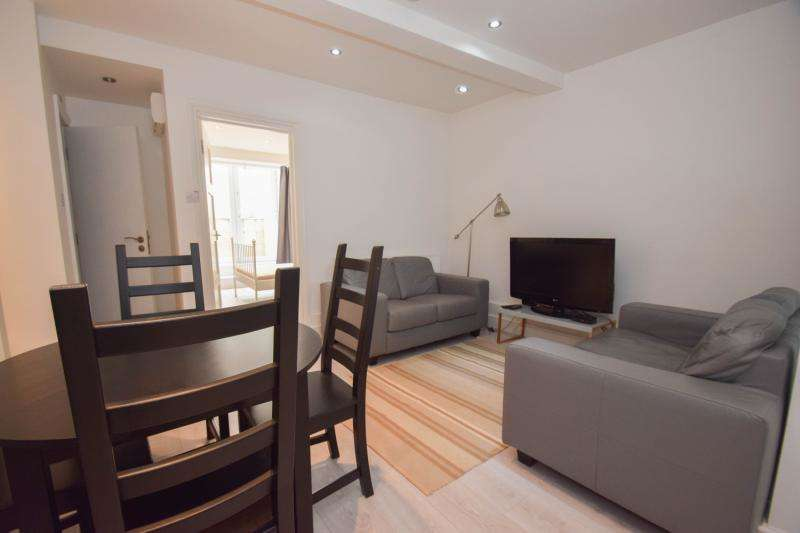 2 Bedrooms Flat for sale in Morden Road, London, SW19
