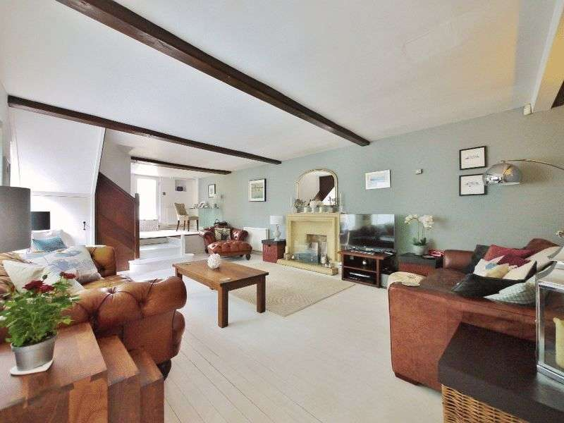 5 Bedrooms Semi Detached House for sale in Lower Green Road, Pembury