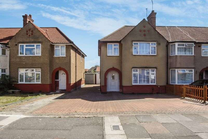 3 Bedrooms Terraced House for sale in Ennismore Avenue, Greenford