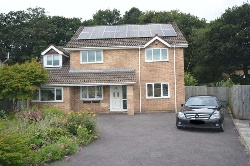 3 Bedrooms Detached House for sale in 8 Charles Avenue, Pencoed, Bridgend CF35 6SJ