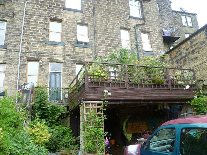 3 Bedrooms Terraced House for sale in Oak Street, Haworth, Keighley, West Yorkshire, BD22 8NW