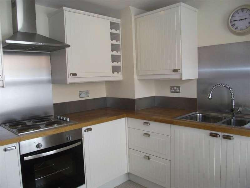 3 Bedrooms Property for sale in High Street, Market Lavington