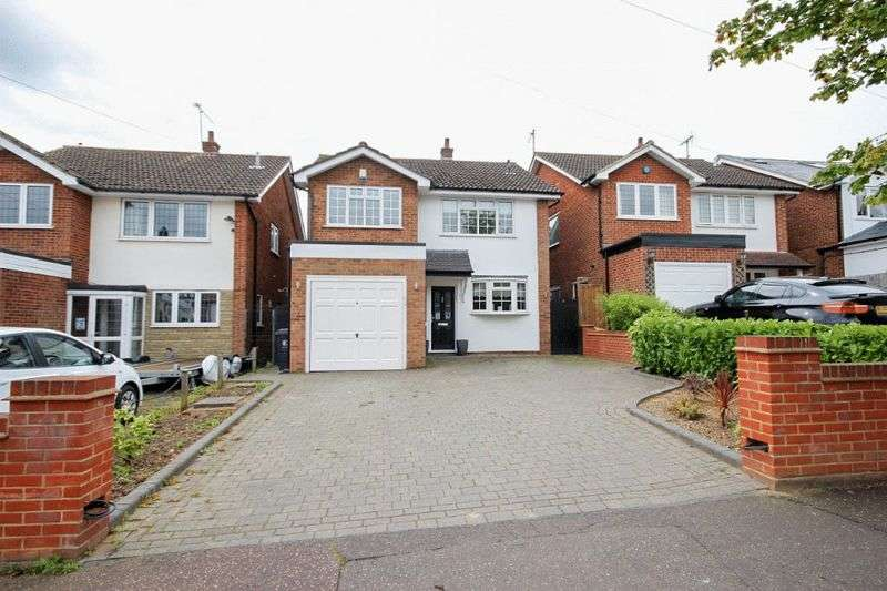 4 Bedrooms Property for sale in The Drive, Buckhurst Hill, Essex, IG9