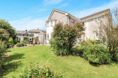 4 Bedrooms Detached House for sale in Bodmin, Cornwall, England