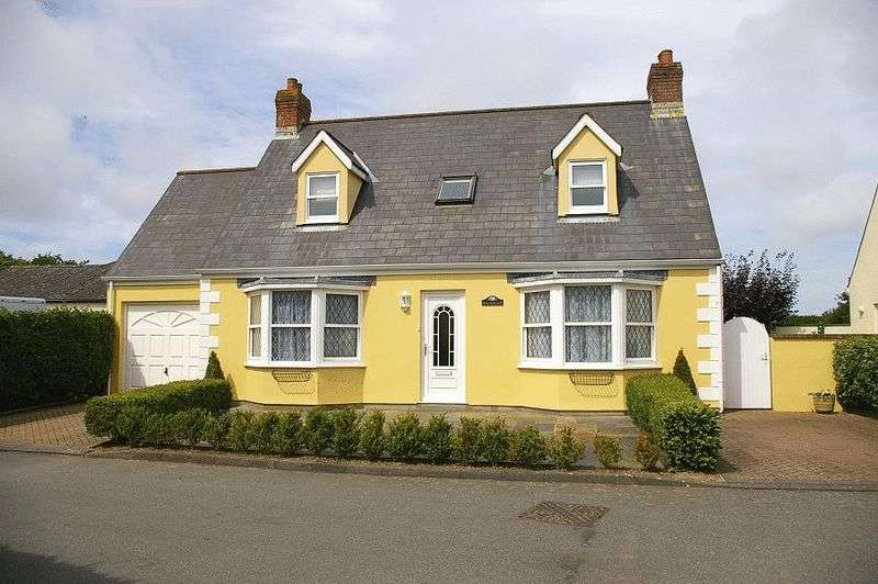 3 Bedrooms Detached House for sale in St. Andrews