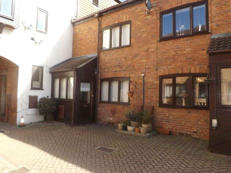 2 Bedrooms House for sale in The Maltings Court, MARKET RASEN