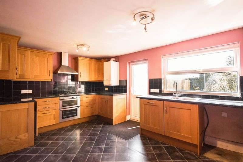 3 Bedrooms Terraced House for sale in Fore Street, Chudleigh