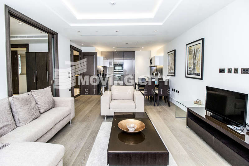 3 Bedrooms Flat for sale in Lord Kensington House, 375 Kensington High Street, Kensington