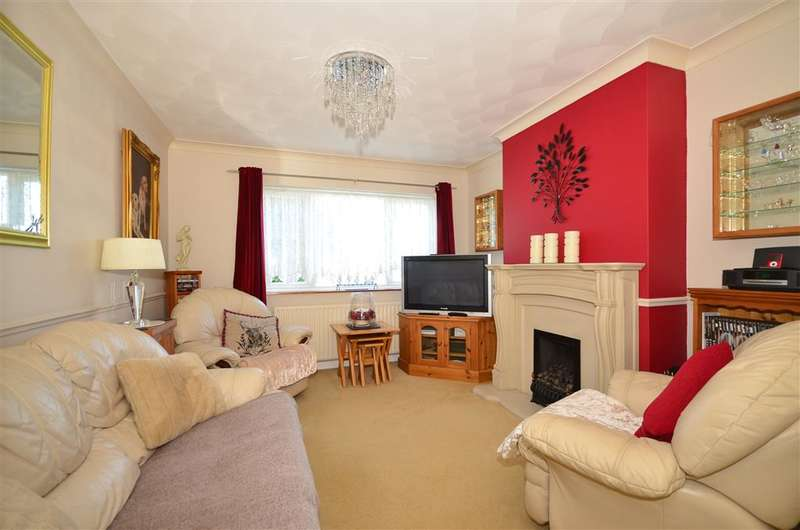 3 Bedrooms Semi Detached House for sale in Dryland Road, Snodland, Kent