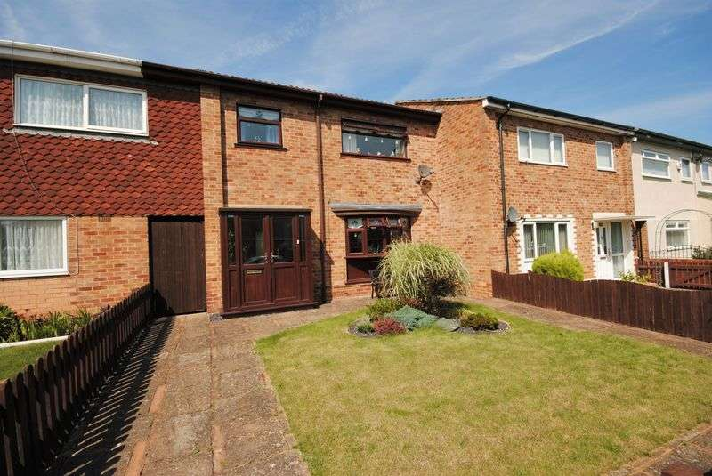 3 Bedrooms Terraced House for sale in Holly Place, Moreton