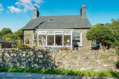 4 Bedrooms House for sale in Waunfawr, Caernarfon, Gwynedd, LL55