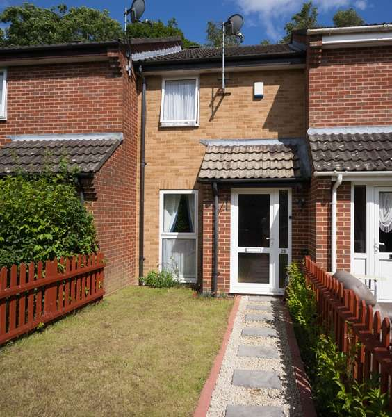 2 Bedrooms Terraced House for sale in evergreen close, wimborne, Dorset, BH21