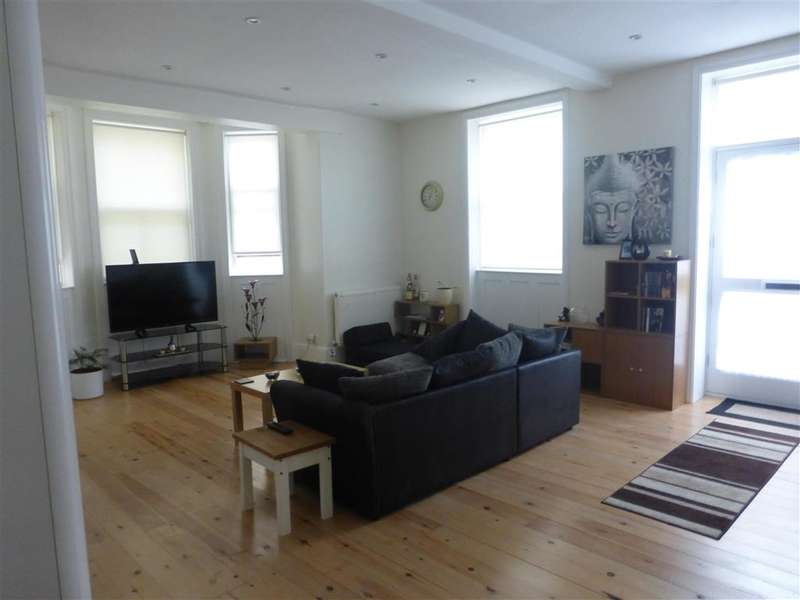 2 Bedrooms Apartment Flat for sale in Victoria Parade, Ramsgate, Kent