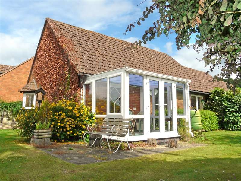 2 Bedrooms Retirement Property for sale in Fairfield Green, Fownhope, Hereford, HR1
