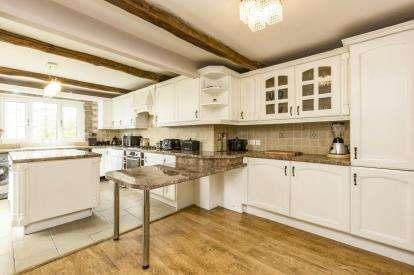 3 Bedrooms Semi Detached House for sale in Briercliffe Road, Burnley, Lancashire, BB10