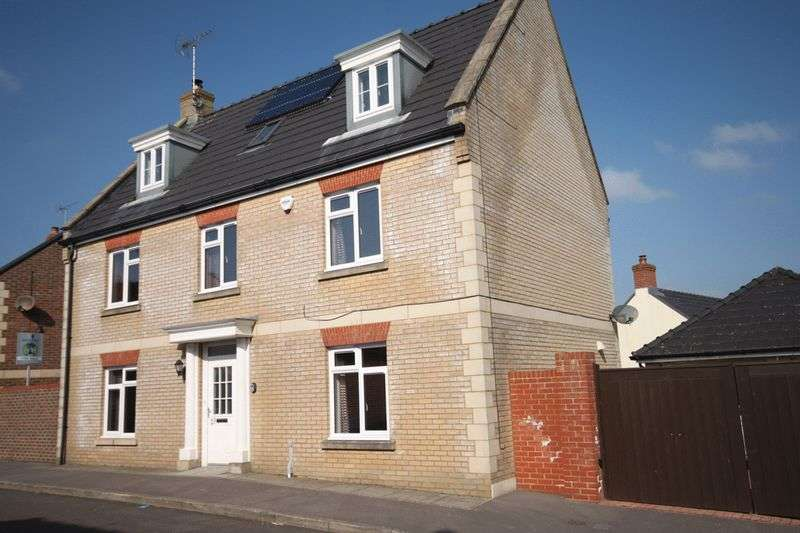 5 Bedrooms Detached House for sale in Crossways, Dorchester, DT2
