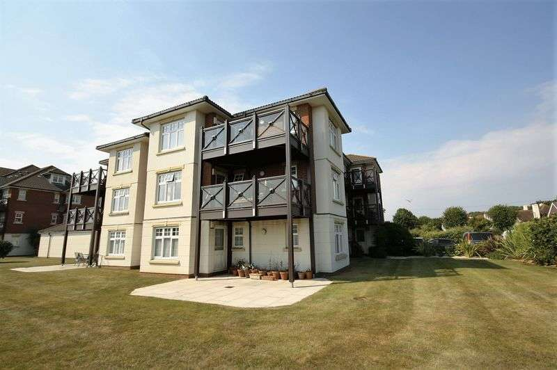 2 Bedrooms Flat for sale in Boscombe Overcliff