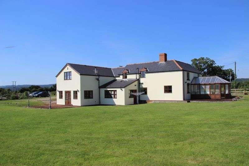 4 Bedrooms Detached House for sale in Five Lanes, Caerwent, Caldicot