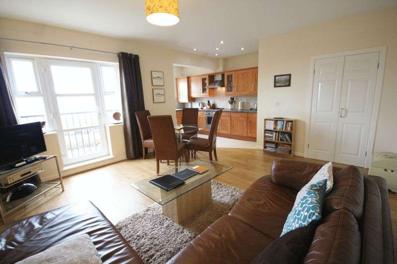 2 Bedrooms Flat for sale in Benllech, Anglesey