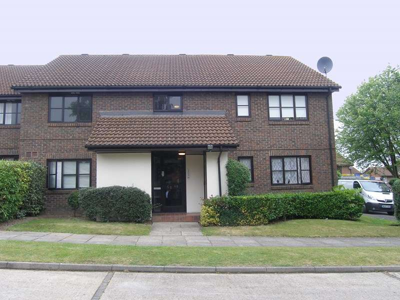 Flat for sale in Sprucedale, Swanley