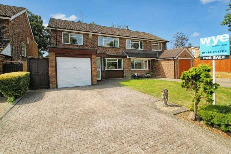 4 Bedrooms Semi Detached House for sale in Tylers Green