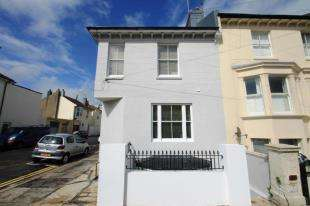 2 Bedrooms Flat for sale in Goldstone Road, Hove, East Sussex