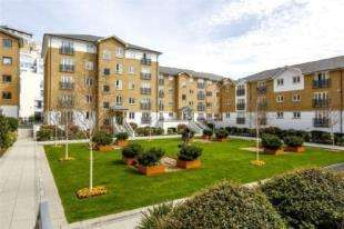 2 Bedrooms Flat for sale in Price's Court, Cotton Row, Battersea, London