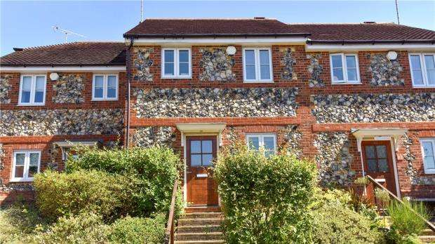3 Bedrooms Terraced House for sale in Grassingham End, Chalfont St. Peter, Gerrards Cross