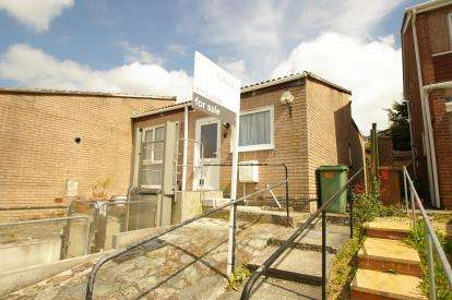2 Bedrooms Bungalow for sale in Derriford, Plymouth, Devon