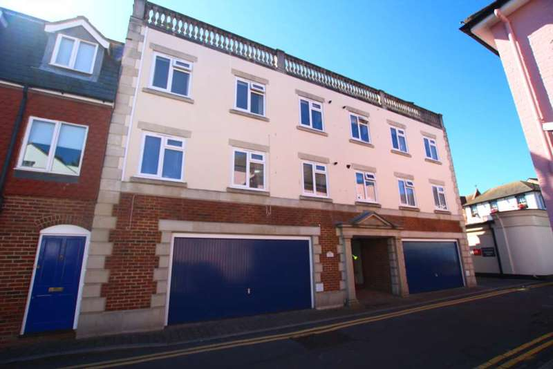 2 Bedrooms Flat for sale in Lushington Lane, Eastbourne