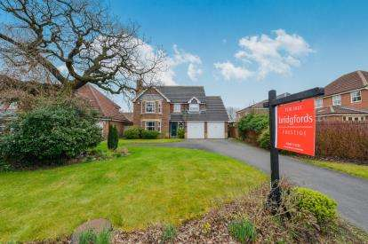4 Bedrooms Detached House for sale in The Acres, Stokesley, North Yorkshire