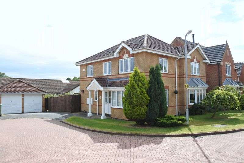 4 Bedrooms Detached House for sale in Tattershall Close, Grantham